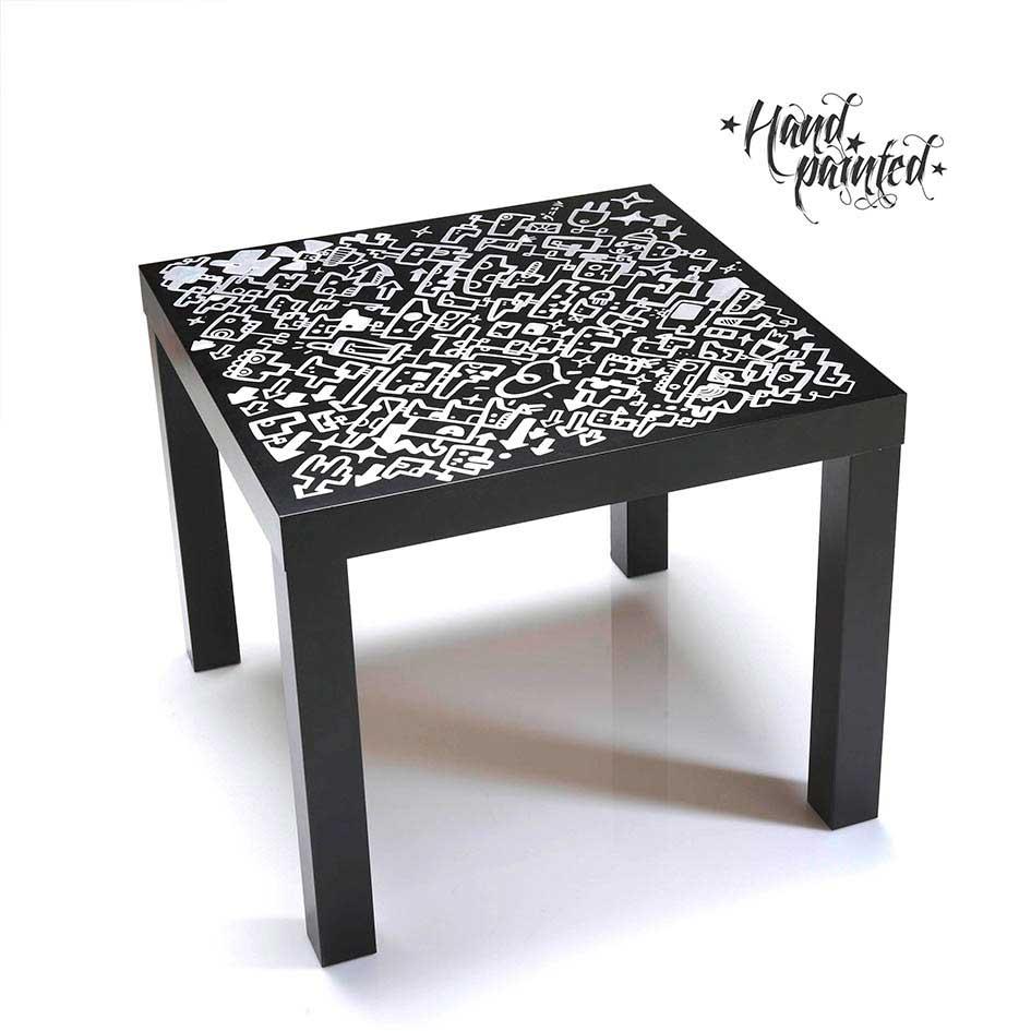"""""""mesa original negra, pintada a mano en plata"""""""