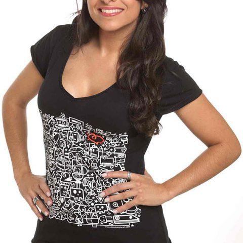 """camiseta negra con escote en V para chicas, dibujo serigrafiado en blanco"""